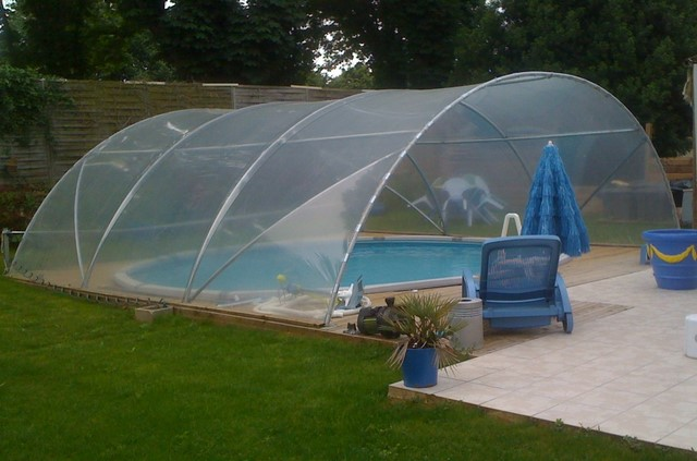Atoutloisir magasin de jardinage serre de jardin for Serre tunnel piscine