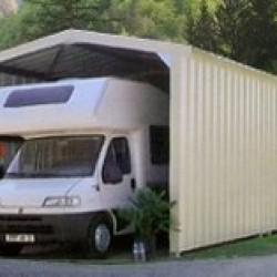 Des abris de qualité pour protéger votre camping-car des intempéries, de fabrication 100% Française. Des modèles d'abris pour camping-car robustes et fonctionnels parfaitement adaptés à vos besoins et garantis 10 ans.