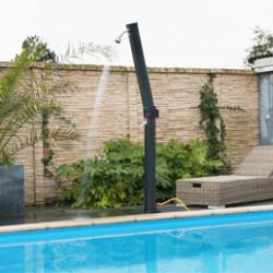 Les accessoires piscines en bois vont vous faciliter l'utilisationde votrepoint d'eau et vous faire gagner du temps afin de profiter au maximum de votre baignade. Accessoirisezvotre piscine avec nos thermomètres flottants, nos enrouleurs de bâche pour piscine et notre douche.